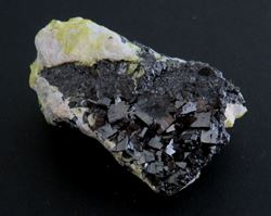 Picture of Bixbyite with Ettringite (Kalahari Manganese Fields, South Africa)