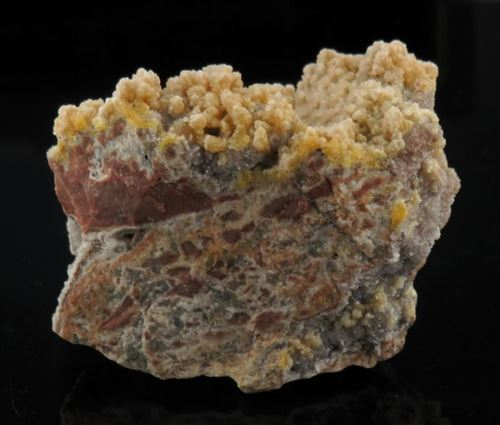 Picture of Mimetite, Calcite, Smithsonite (Tsumeb, Namibia)