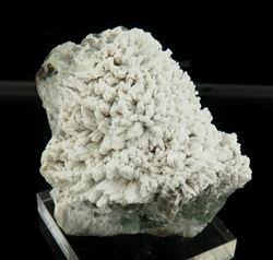 Picture of Tarbuttite on Hemimorphite (Skorpion Mine, Namibia)